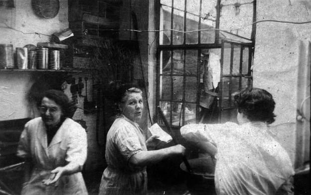 sept aout 1954 Patisserie Jeanne Schobbens Ana Bazan Mme Vandormael